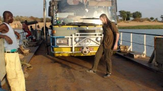 The ferry across to Djenné