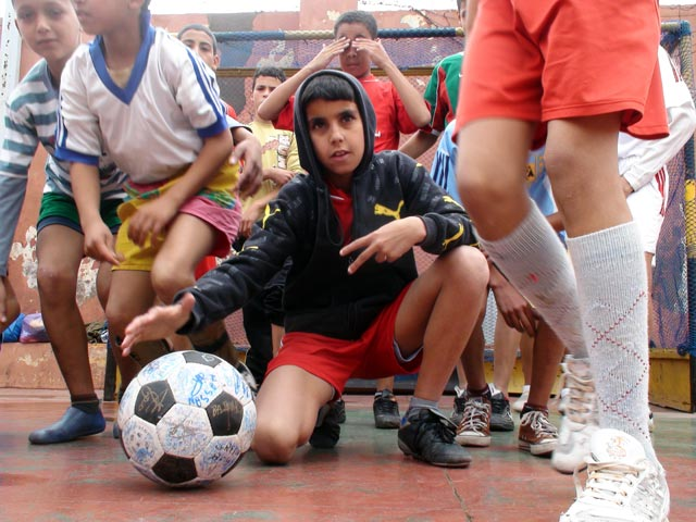 Football meets breakdance and hip-hop at L'Heure Joyeuse
