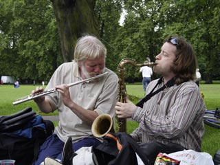 The music of the fans - provided by Andy on sax and Brian on flute (photo by Stanley)